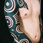 ЭТНИЧЕСКИЕ ТАТУИРОВКИ №732 - прикольный вариант рисунка, который легко можно использовать для переделки и нанесения как этнические татуировки на спине