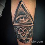 глаз гора тату №448 - классный вариант рисунка, который хорошо можно использовать для преобразования и нанесения как глаз гора тату для мужчин