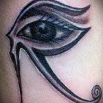 глаз гора тату №342 - крутой вариант рисунка, который успешно можно использовать для переделки и нанесения как тату глаз гора в треугольнике