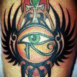 глаз гора тату №557 - интересный вариант рисунка, который легко можно использовать для переделки и нанесения как глаз гора тату оберег