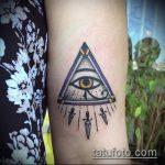 глаз гора тату №991 - эксклюзивный вариант рисунка, который успешно можно использовать для переработки и нанесения как глаз гора тату надпись
