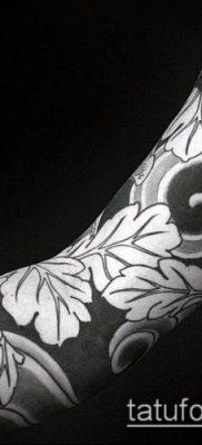 дубовые листья тату №379 – интересный вариант рисунка, который хорошо можно использовать для переработки и нанесения как дубовые листья тату на
