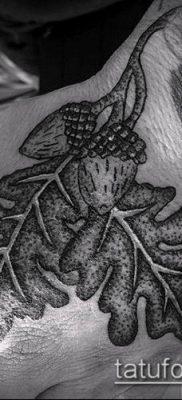 дубовые листья тату №50 – прикольный вариант рисунка, который удачно можно использовать для преобразования и нанесения как тату дубовые листья
