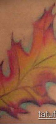 дубовые листья тату №709 – интересный вариант рисунка, который хорошо можно использовать для доработки и нанесения как тату дубовые листья