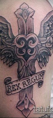 фото латинский крест тату (Tattoo) (значение) – пример рисунка – 032 tatufoto.com