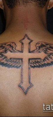 латинский крест тату №940 – крутой вариант рисунка, который хорошо можно использовать для переделки и нанесения как латинский крест тату на запястье