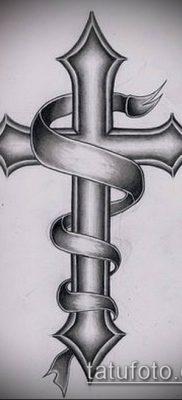 латинский крест тату №435 – классный вариант рисунка, который удачно можно использовать для переделки и нанесения как латинский крест тату на руке