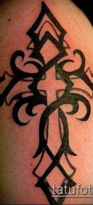 латинский крест тату №283 – эксклюзивный вариант рисунка, который удачно можно использовать для переделки и нанесения как тату латинский крест на шее