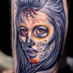 муэртос тату №267 - интересный вариант рисунка, который успешно можно использовать для доработки и нанесения как муэртос тату рукав