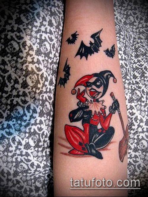 тату арлекин №67 - крутой вариант рисунка, который легко можно использовать для переделки и нанесения как девушка арлекин тату