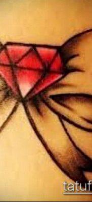 тату бриллиант №186 – эксклюзивный вариант рисунка, который удачно можно использовать для переделки и нанесения как тату бриллиант у девушки