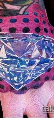 тату бриллиант №568 – классный вариант рисунка, который удачно можно использовать для переработки и нанесения как белый бриллиант тату