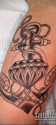 тату бриллиант №607 – уникальный вариант рисунка, который успешно можно использовать для переделки и нанесения как тату бриллиант на ноге