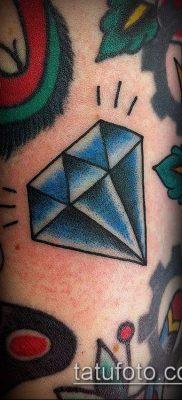 тату бриллиант №127 – достойный вариант рисунка, который успешно можно использовать для преобразования и нанесения как тату бриллиант у девушки