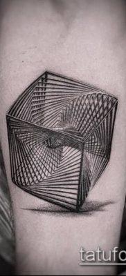 фото тату геометрические (tattoo) (значение) – пример рисунка – 011 tatufoto.com