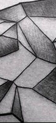тату геометрические №593 – прикольный вариант рисунка, который успешно можно использовать для переделки и нанесения как тату геометрические для девушек