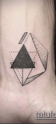 тату геометрические №503 – эксклюзивный вариант рисунка, который успешно можно использовать для преобразования и нанесения как тату геометрические для девушек