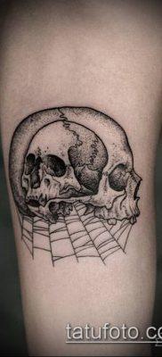 тату гравюра №566 – крутой вариант рисунка, который успешно можно использовать для доработки и нанесения как тату гравюра предплечье