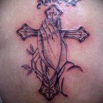 тату для мужчин №588 - крутой вариант рисунка, который удачно можно использовать для доработки и нанесения как тату на кисть руки для мужчин