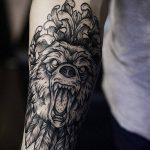 тату для мужчин №683 - достойный вариант рисунка, который легко можно использовать для доработки и нанесения как тату для мужчин