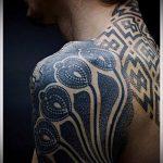 тату для мужчин №601 - прикольный вариант рисунка, который успешно можно использовать для преобразования и нанесения как тату на спину для мужчин