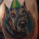 тату доберман №966 - эксклюзивный вариант рисунка, который легко можно использовать для доработки и нанесения как тату доберман в смокинге