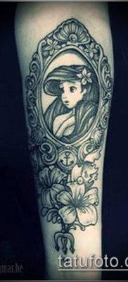 тату зеркало №25 – классный вариант рисунка, который хорошо можно использовать для переработки и нанесения как тату зеркало бедро