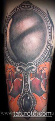 тату зеркало №585 – эксклюзивный вариант рисунка, который успешно можно использовать для преобразования и нанесения как тату зеркало на ноге