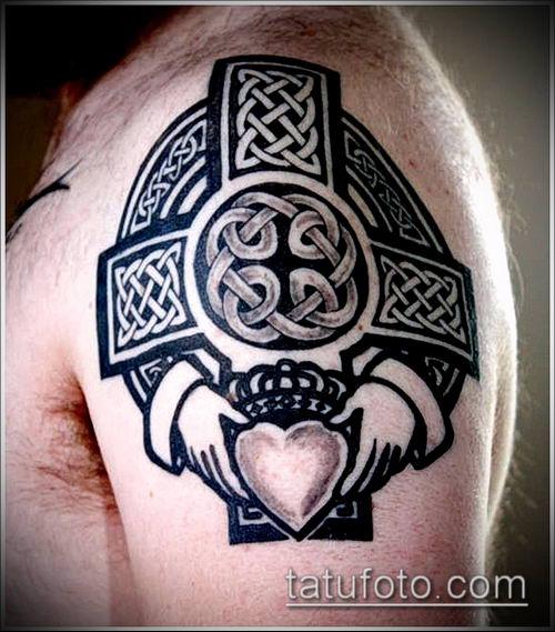 тату кельтика №957 - крутой вариант рисунка, который легко можно использовать для преобразования и нанесения как тату кельтика на плече