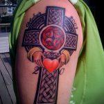 тату кельтика №425 - эксклюзивный вариант рисунка, который легко можно использовать для переделки и нанесения как тату кельтика рукав