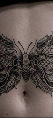 тату кружева №873 – прикольный вариант рисунка, который успешно можно использовать для переделки и нанесения как тату кружево под грудью