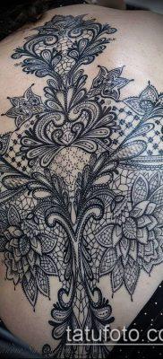 тату кружева №447 – эксклюзивный вариант рисунка, который удачно можно использовать для доработки и нанесения как тату кружева под грудью
