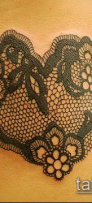 тату кружева №697 – прикольный вариант рисунка, который легко можно использовать для переработки и нанесения как тату роза с кружевами