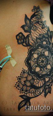 тату кружева №903 – крутой вариант рисунка, который легко можно использовать для переделки и нанесения как тату кружева для девушек