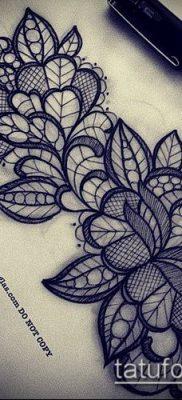 тату кружева №149 – прикольный вариант рисунка, который легко можно использовать для преобразования и нанесения как тату кружева под грудью