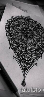 тату кружева №394 – крутой вариант рисунка, который хорошо можно использовать для доработки и нанесения как тату грудь кружева