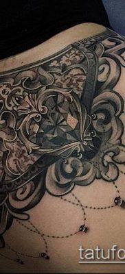 тату кружева №68 – классный вариант рисунка, который легко можно использовать для доработки и нанесения как тату кружева под грудью