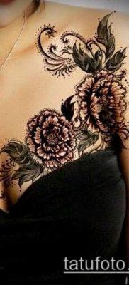 тату кружева №147 – крутой вариант рисунка, который легко можно использовать для преобразования и нанесения как тату кружево под грудью