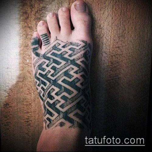 тату лабиринт №868 - интересный вариант рисунка, который удачно можно использовать для доработки и нанесения как кельтский лабиринт тату