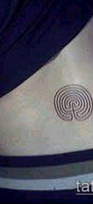 тату лабиринт №260 – интересный вариант рисунка, который легко можно использовать для переработки и нанесения как тату лабиринт минотавра