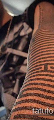 тату лабиринт №868 – прикольный вариант рисунка, который хорошо можно использовать для переработки и нанесения как тату лабиринт на запястье