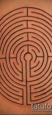 тату лабиринт №222 – прикольный вариант рисунка, который удачно можно использовать для переделки и нанесения как Tattoo labyrinth
