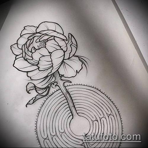 тату лабиринт №212 - крутой вариант рисунка, который хорошо можно использовать для доработки и нанесения как тату лабиринт на спине
