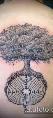 тату лабиринт №438 – достойный вариант рисунка, который легко можно использовать для доработки и нанесения как тату лабиринт фавна