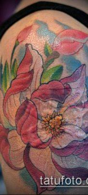 тату магнолия №604 – интересный вариант рисунка, который успешно можно использовать для переделки и нанесения как тату магнолия на лопатке