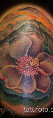 тату магнолия №160 – достойный вариант рисунка, который хорошо можно использовать для переработки и нанесения как тату магнолия на ноге