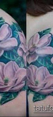 тату магнолия №199 – прикольный вариант рисунка, который хорошо можно использовать для преобразования и нанесения как тату магнолия на ноге