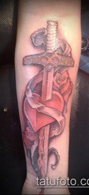тату меч и змея №156 – эксклюзивный вариант рисунка, который легко можно использовать для переделки и нанесения как тату меч и змея на спине