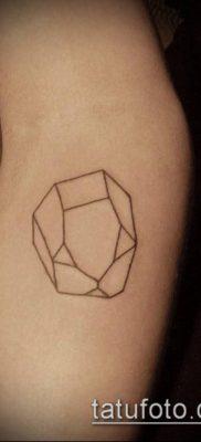 тату минимализм №457 – уникальный вариант рисунка, который хорошо можно использовать для переработки и нанесения как тату минимализм на руке