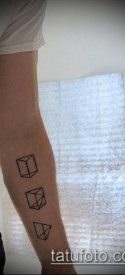 тату минимализм №345 – прикольный вариант рисунка, который хорошо можно использовать для переработки и нанесения как тату минимализм на пальцах